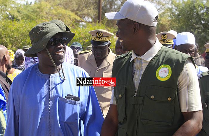 Le Ministre en compagnie de Ousmane KANE, membre des éco-gardes du Parc National du Djoudj