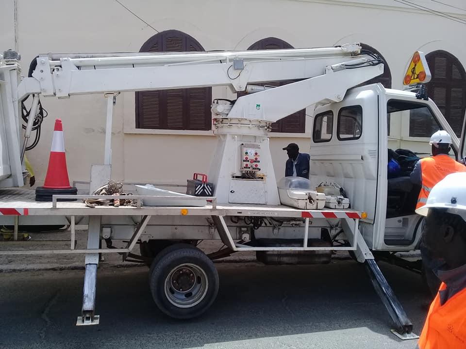 Coopération décentralisée : Lille offre un camion nacelle et de 300 luminaires à la Commune de Saint-Louis
