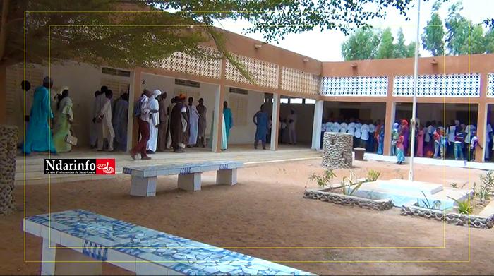 DAGANA : Une partie de l'école Célestin FREINET construite avec du Typha (vidéo)