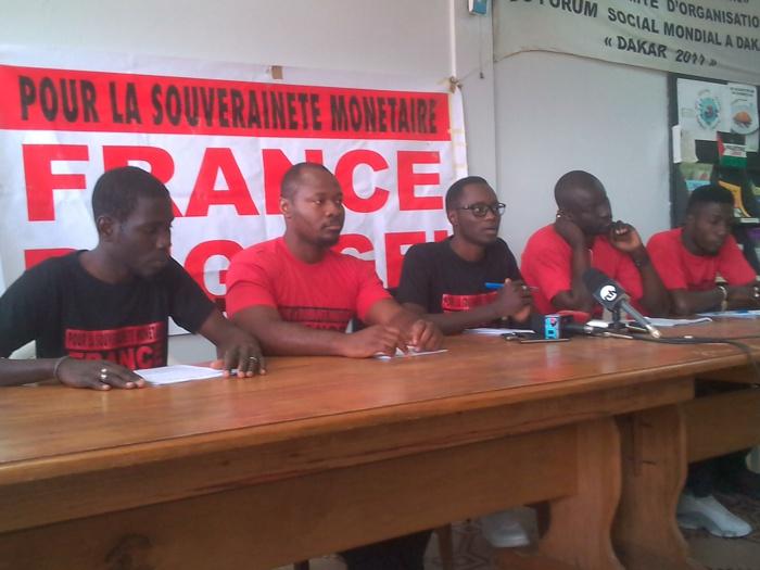 8 membres de « France Dégage » arrêtés