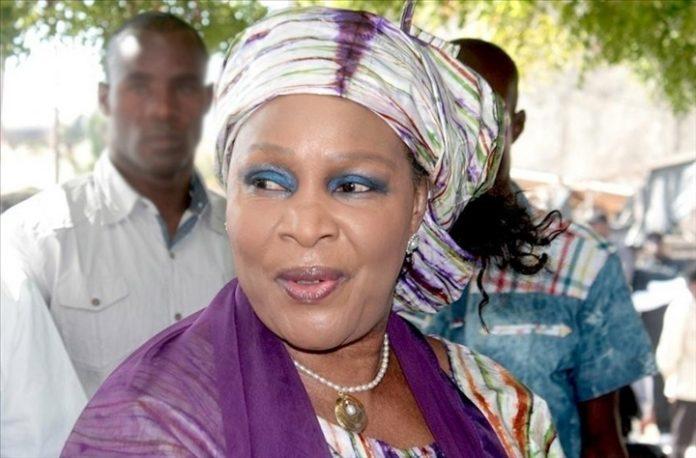 """Aida Ndiongue : """"Je reste au Pds"""""""