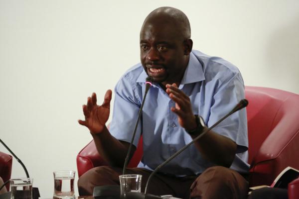 Pr Felwine Sarr, économiste et enseignant à l'Ugb sur Auchan, « il ne faut pas en faire une crise nationaliste »