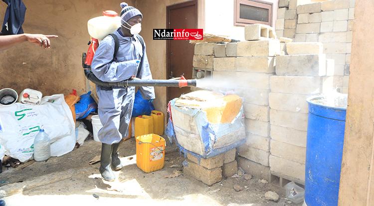 KHAR YALLA : le service d'hygiène désinfecte les lieux