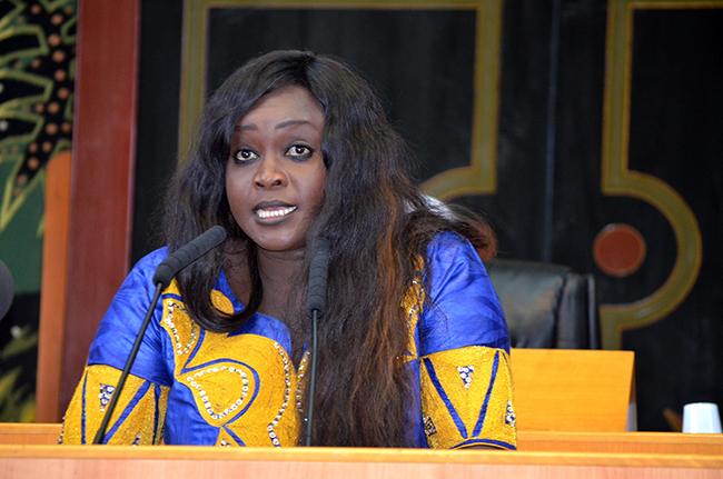 Fatou THIAM : Hier dénigreuse, aujourd'hui bouclière de Macky SALL