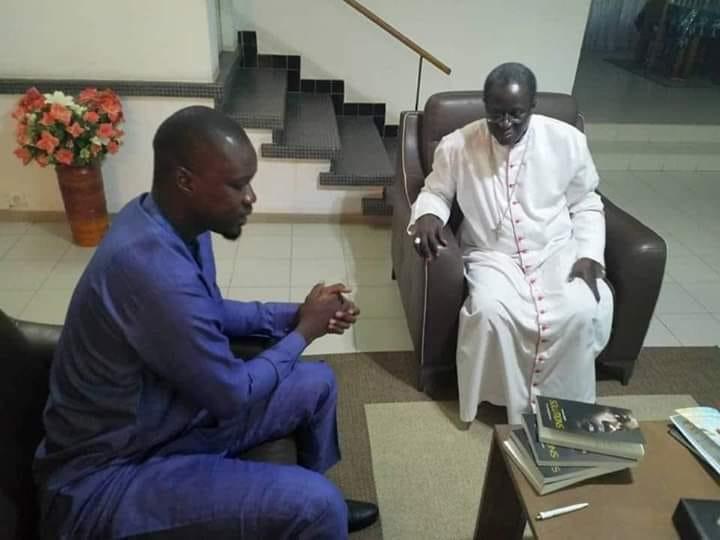 Ousmane Sonko chez Monseigneur Benjamin Ndiaye pour...