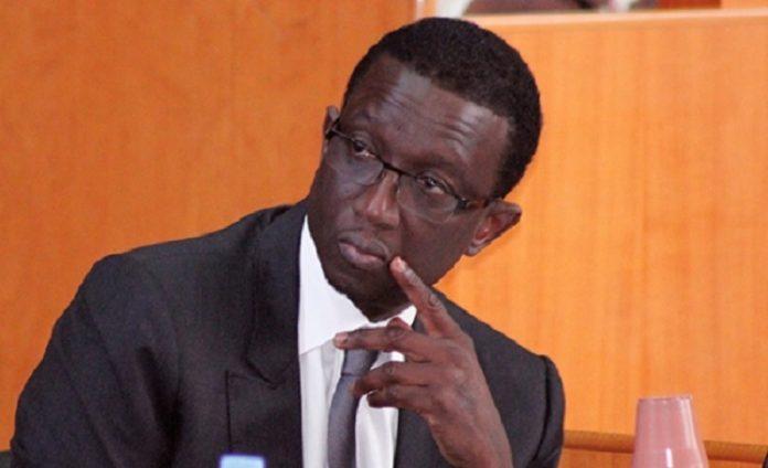 Sénégal : le gouvernement reconnaît des difficultés budgétaires
