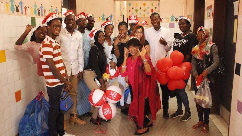 NOEL : Une association offre des cadeaux aux enfants hospitalisés de Saint-Louis ( photos)