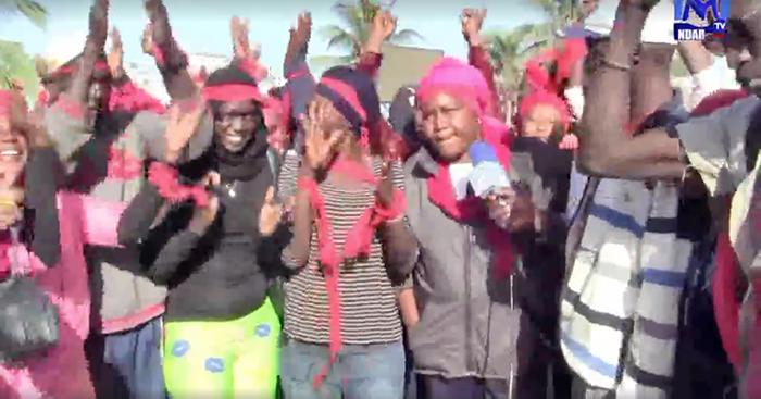 Des agents du nettoiement en brassards rouges : « Ils refusent de nous payer nos salaires alors qu'ils viennent de dépenser des millions pour un concert de Wally SECK »