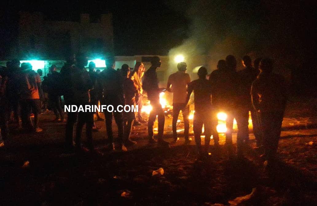 Front nocturne à l'UGB : les étudiants bloquent la RN2 !