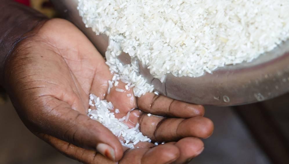 Produit impropre à la consommation : Du gel de silice retrouvé dans du riz