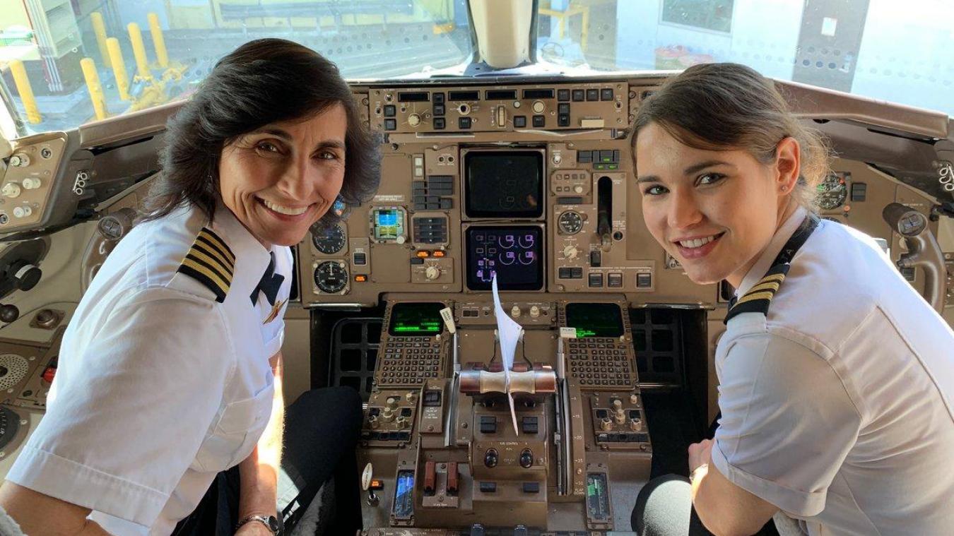 Twitter Une mère et sa fille pilotent ensemble un avion de ligne, la photo fait le buzz