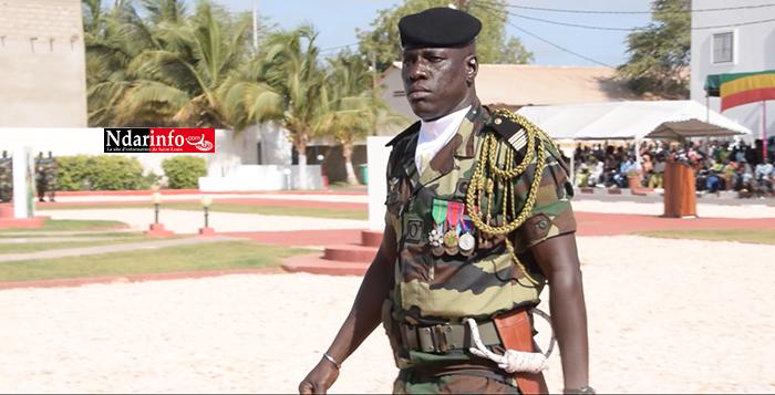 12e bataillon d'instruction : 1261 recrues présentées au Drapeau (vidéo)