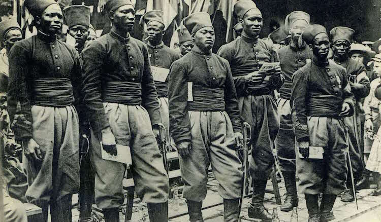 Mode de prestation de serment des Almamis et des Tirailleurs sénégalais. Par Mamadou Youry SALL