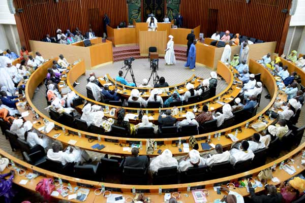 Suppression du poste de Premier ministre : La loi sera soumise à l'Assemblée nationale.