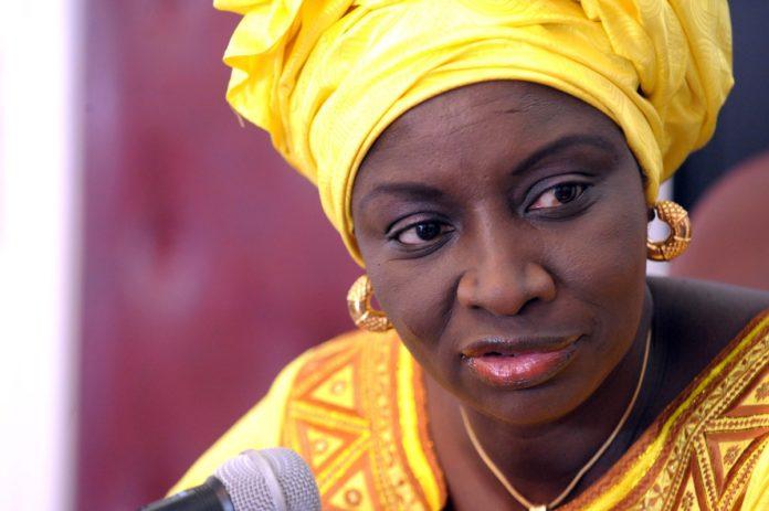 Riposte des jeunes de l'ACT: Mimi Touré passe de « dame de fer » à « dame de coton »