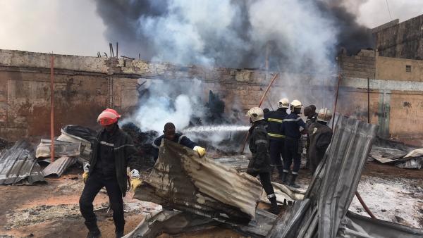 Incendie à Louga : une vingtaine de maisons brulées