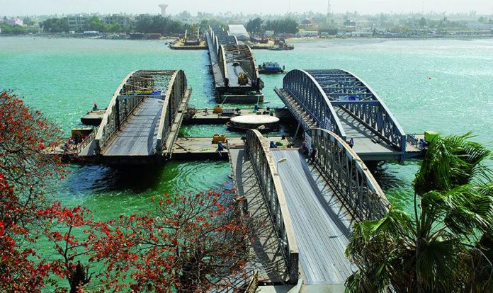 Aujourd'hui, 2 juillet 1865 : Première inauguration du pont Faidherbe de Saint-Louis
