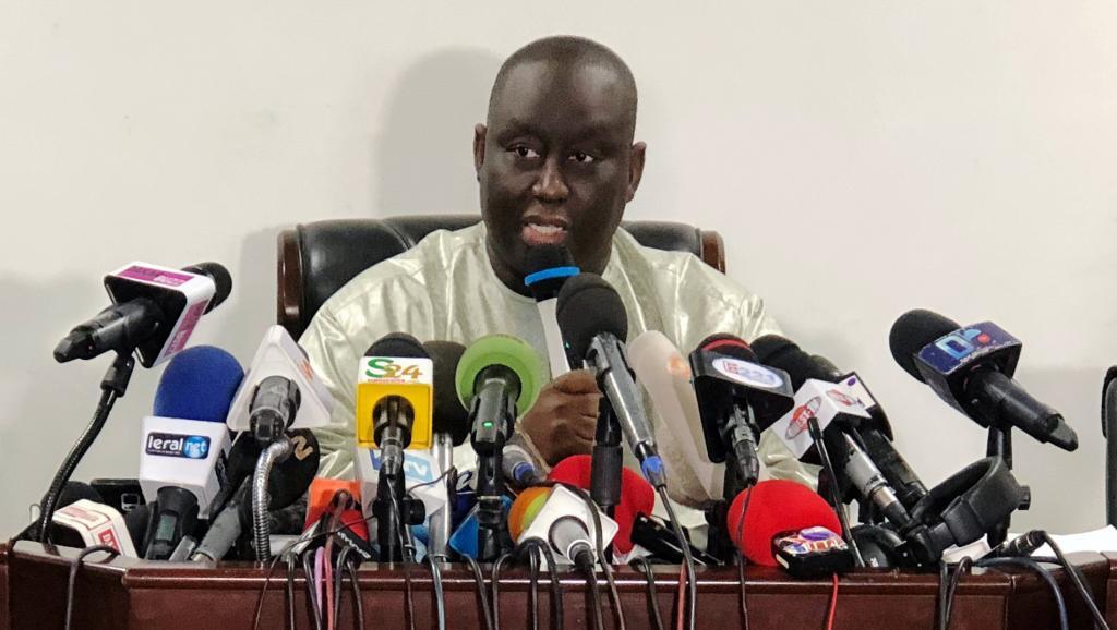 Le député Cheikh Bara Dolly annonce un mandat d'arrêt contre Aliou Sall aux Etats-Unis