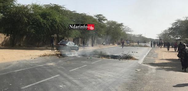 UGB : les étudiants bloquent la Nationale 2