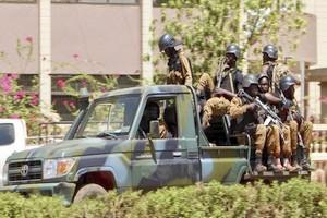 Burkina Faso : 35 civils et 80 « terroristes » tués dans une attaque dans le nord du pays