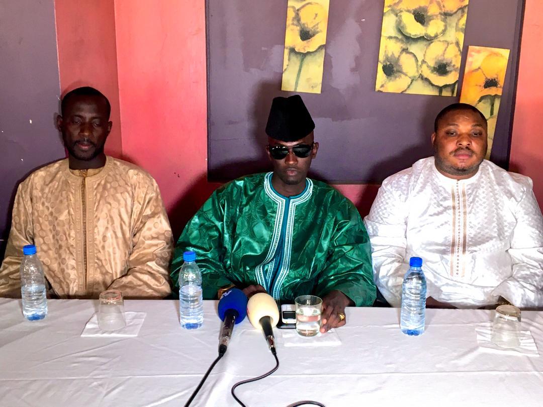 De jeunes « Mbacké-Mbacké » contre Pape Alé Niang : « Son livre sur le COUD est un tissu de mensonges … »