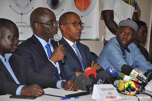 """La Senelec """"gaspille 175 milliards par an"""", révèle Thierno Alassane SALL"""