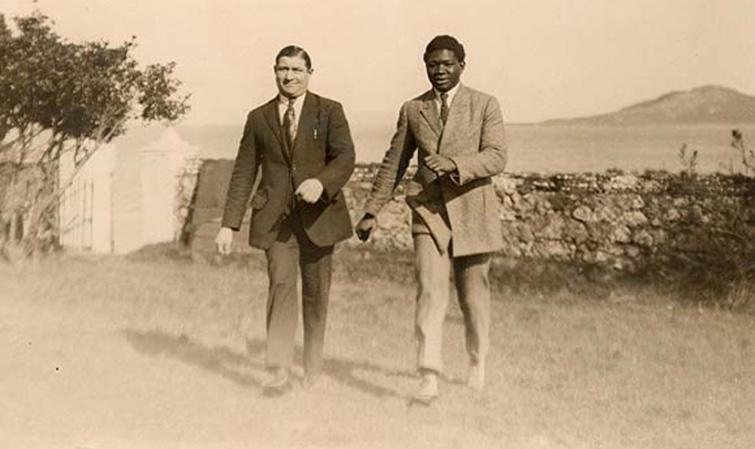 De Louis Mbarick Fall «Battling Siki» à Assane Faye : ces champions qui ont fait rayonner la boxe sénégalaise.