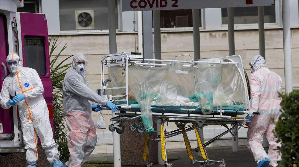 Coronavirus : plus de 31 000 morts dans le monde, l'Espagne durement touchée