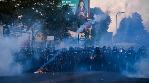 Mort de George Floyd: les manifestations violentes continuent malgré les couvre-feux