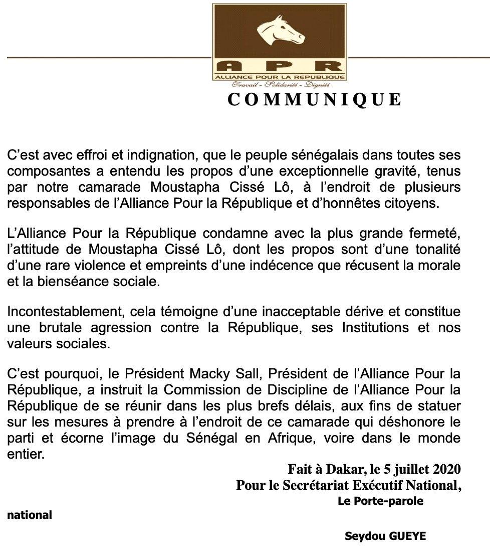 """Macky en colère : Cissé Lo """" déshonore le parti et écorne l'image du Sénégal..."""""""