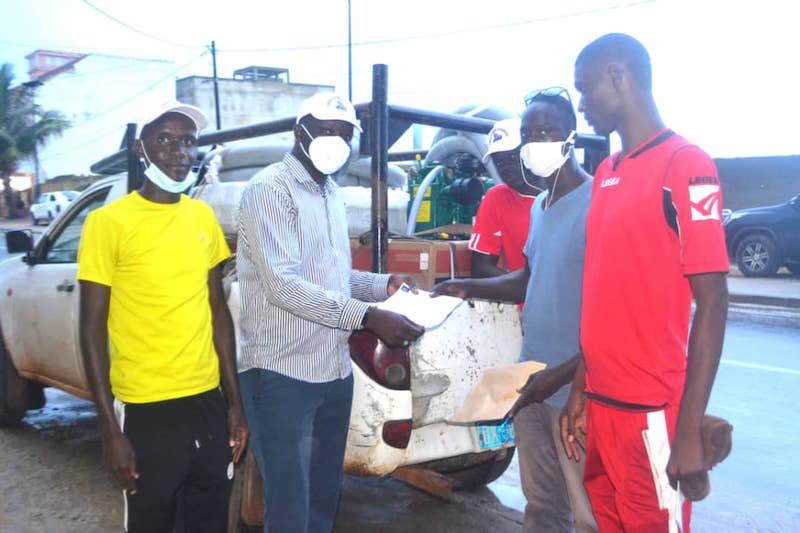 """La Fondation """"Servir le Sénégal"""" offre un important lot de motopompes à la commune de Saint-Louis"""