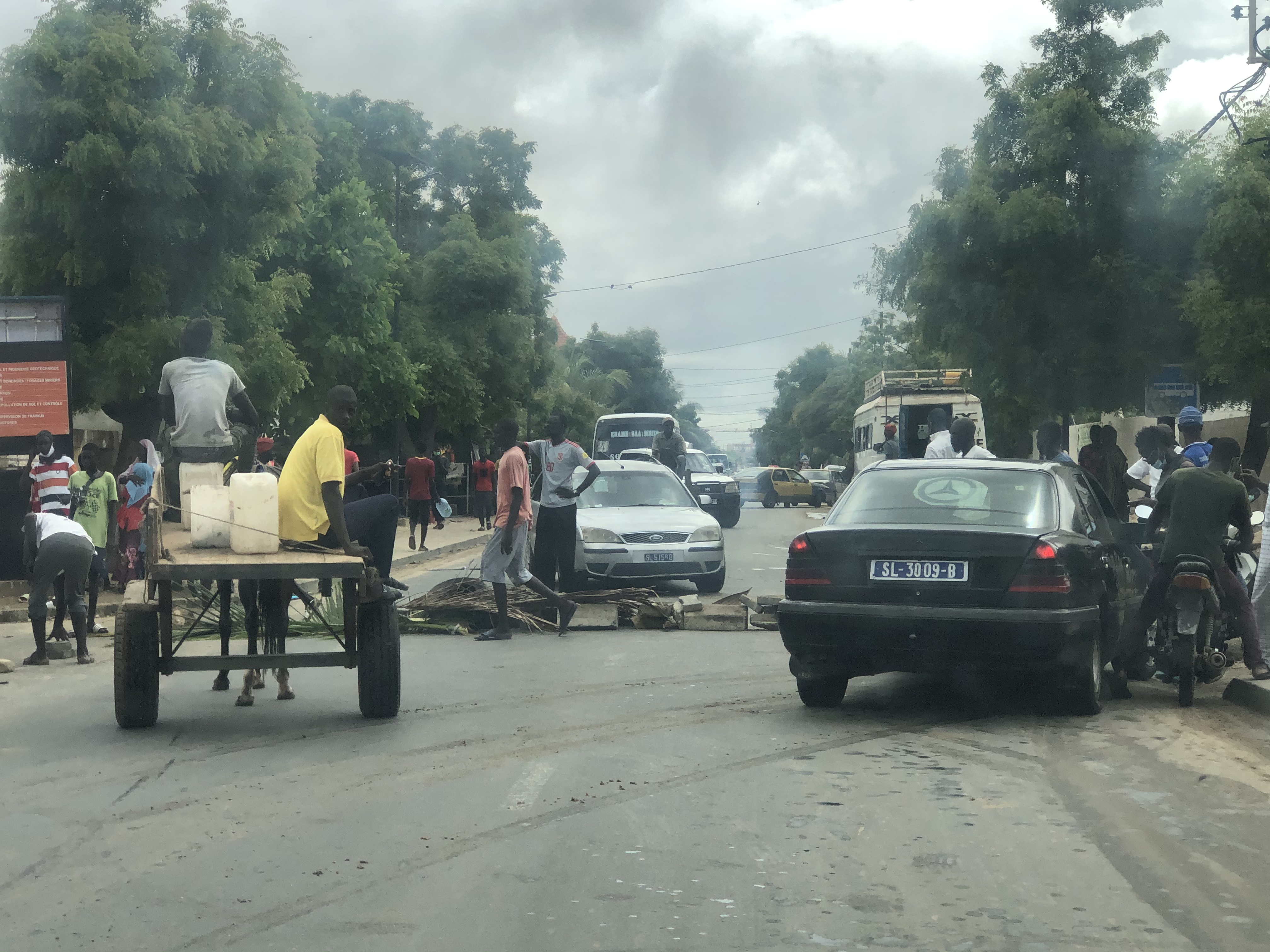 Urgent - Inondations- Manifestations : des jeunes bloquent la RN2 à Darou