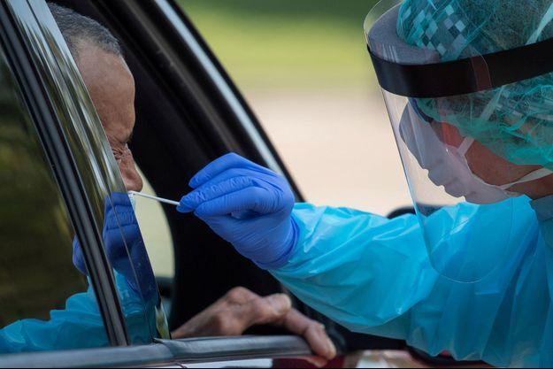 Un test Covid a provoqué une fuite de liquide céphalo-rachidien chez une Américaine