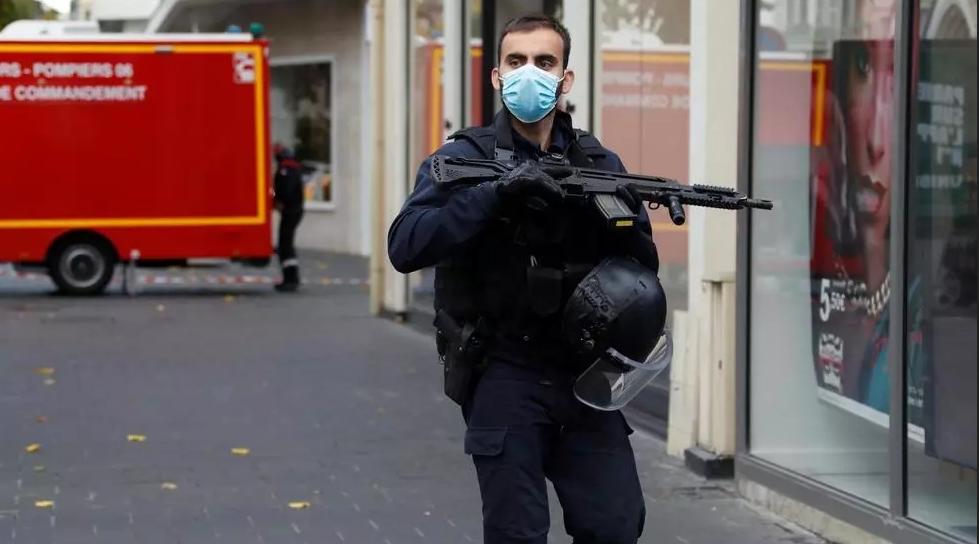 France: trois morts et plusieurs blessés dans une attaque au couteau à Nice (sud), l'auteur interpellé (source policière)
