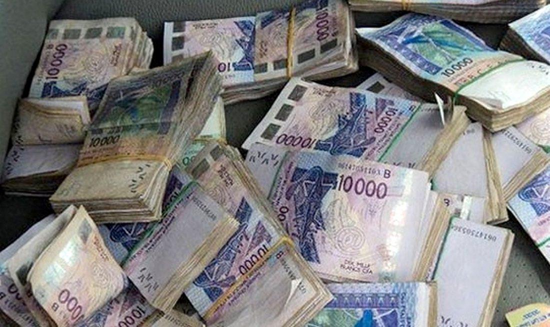 1 milliard en faux billets saisis, une célébrité arrêtée