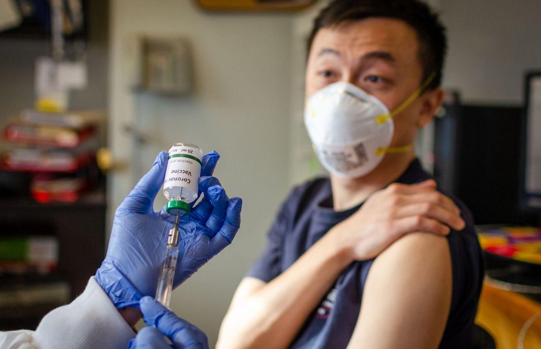 Aux Etats-Unis, début d'une campagne de vaccination sans précédent