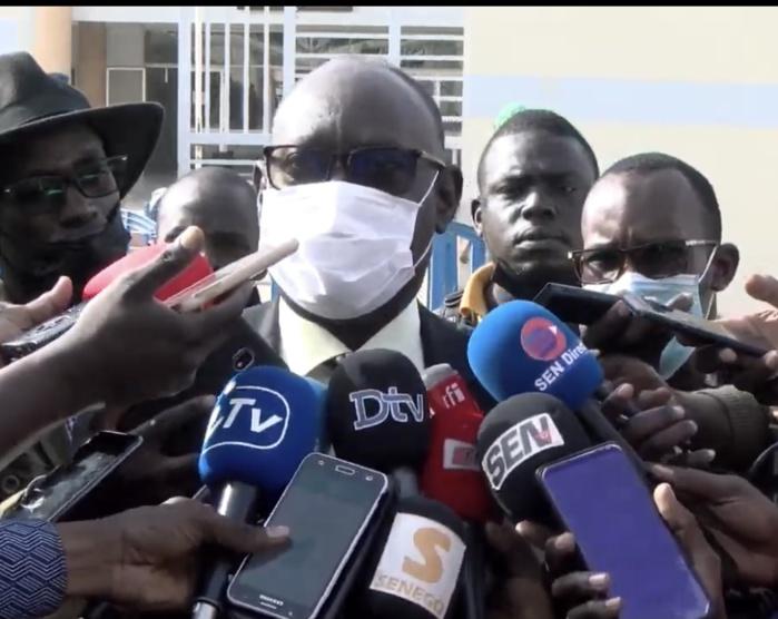 Audition de Adji Sarr / Me ElHadji Diouf à sa sortie du tribunal : « L'instruction est secrète alors je ne peux rien dire sur le dossier (...) Sachez que la cliente est confiante et elle a répondu à toutes les questions »