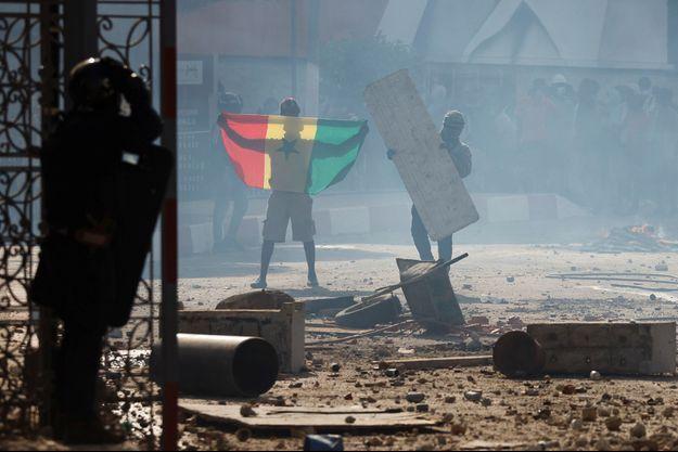 Bilan des manifestations : 590 blessés enregistrés