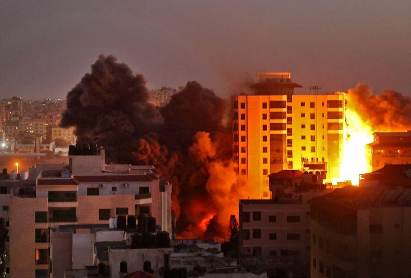 Une série de raids les plus violents sur la ville de Gaza, causant de gros dommages matériels