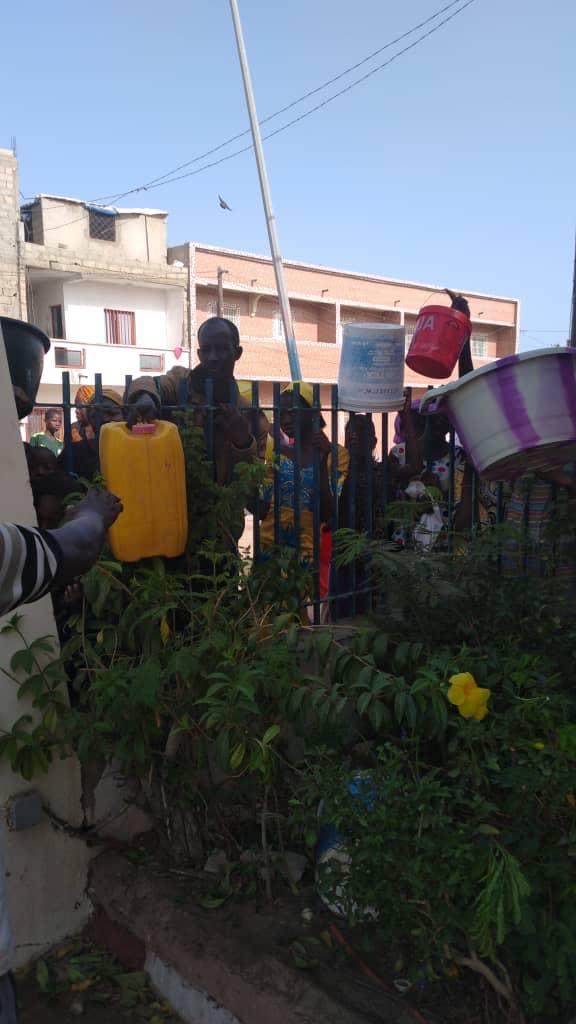 Pénurie d'eau à NDAR : l'ISRA prise d'assaut par une population assoiffée  VIDEO 