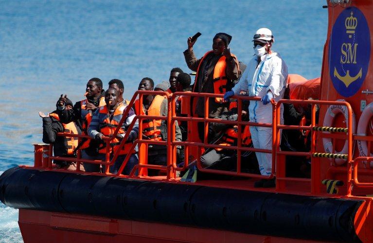 Espagne: le nombre de migrants arrivés depuis le Maroc lundi à Ceuta grimpe à 5 000