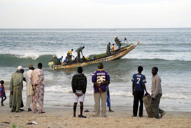 Saint-Louis : Les pêcheurs toujours dans l'attente de leur ... brèche