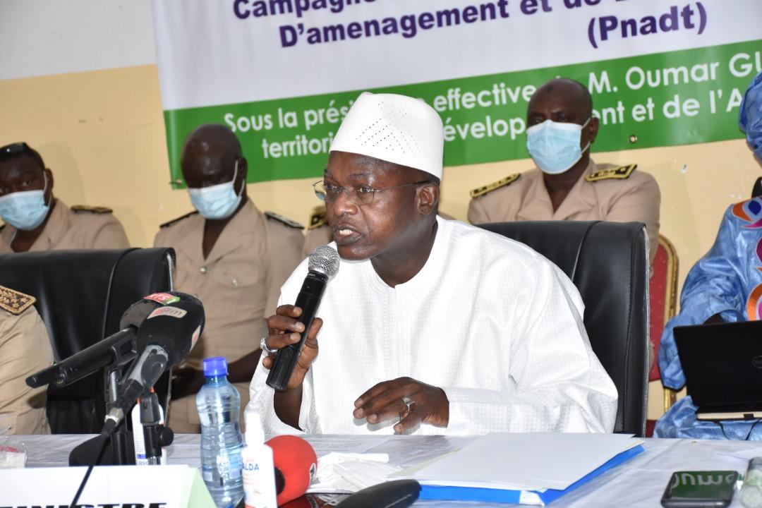 Restitution des conclusions de la mission d'information parlementaire : Oumar Guèye vante les réalisations du Programme décennal de Lutte contre les Inondations.