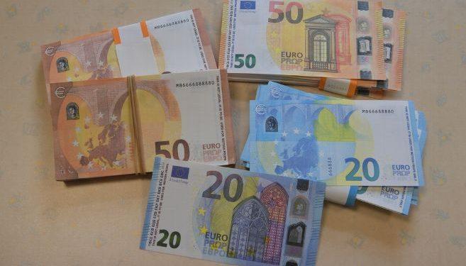Incroyable : 274 milliards de faux billets saisis à ...