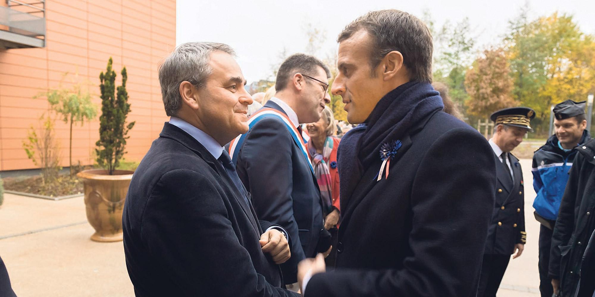 """Xavier Bertrand reproche à Emmanuel Macron une """"naïveté confondante"""" sur l'islamisme"""