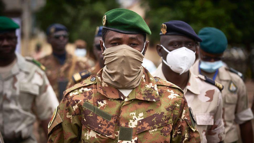 Le chef de la junte au pouvoir au Mali, le colonel Assimi Goïta, le 18 septembre 2020 à Bamako  afp.com/MICHELE CATTANI