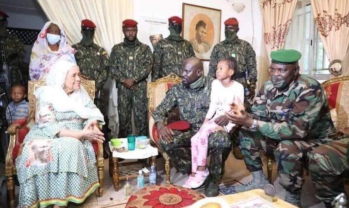 Conakry : au stade 28 septembre, colonel Doumbouya rend hommage aux victimes