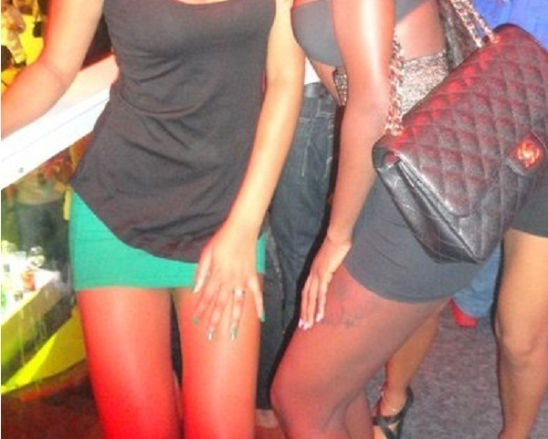 Scandale lesbianisme à Yoff (Dakar) : les cinq filles parlent.