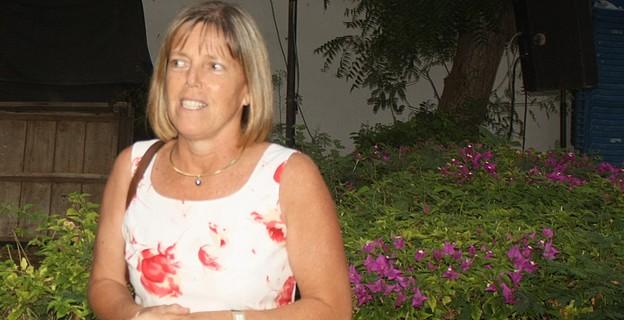 Saint-Louis: Murielle Bancal reçoit son brevet d'agent consulaire.