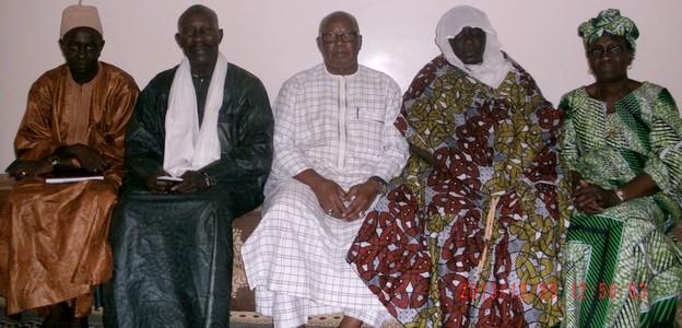 L'épouse de Mbaye Boye entre le général Palenfo et son épouse